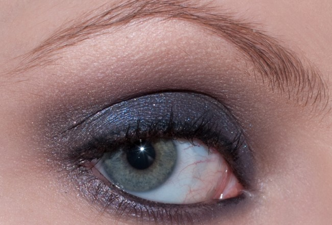 taupe-blue-smoke-003
