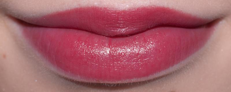 lipswatch m a c hot tahiti a fleur de peau. Black Bedroom Furniture Sets. Home Design Ideas