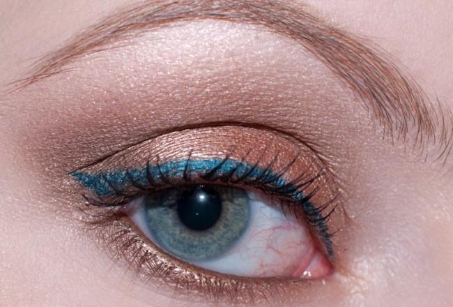 blue-nude-001