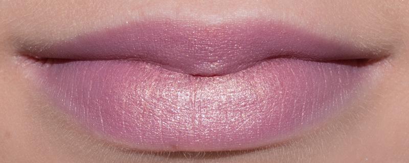 Étonnant Lipswatch: M.A.C Fabby – A Fleur De Peau RM-66